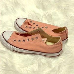 Converse Tennis Shoe NWOT